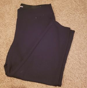 Black stretch Capri pants